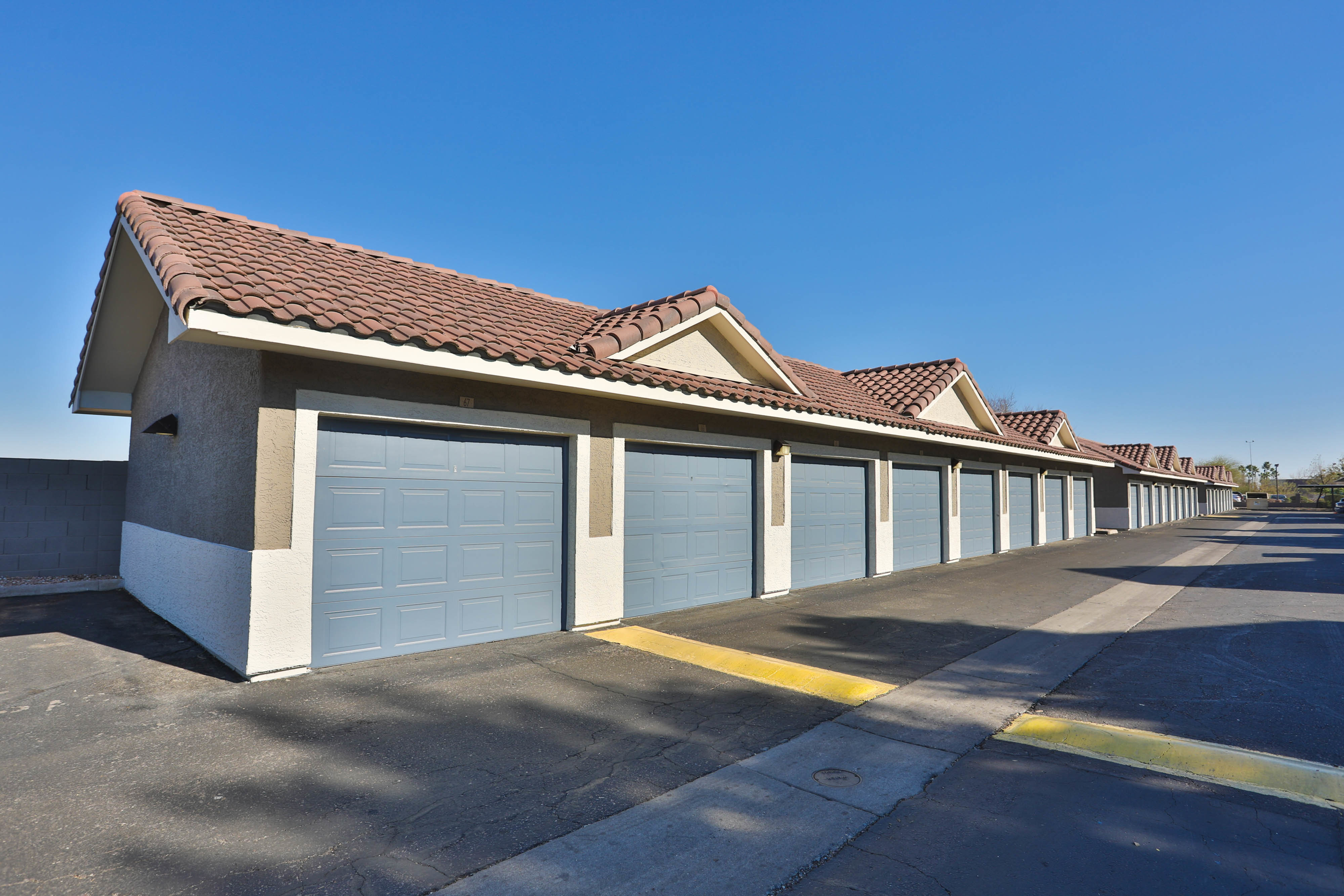 Resident Garage Parking | Phoenix AZ Apartment Homes | Arboretum at South Mountain