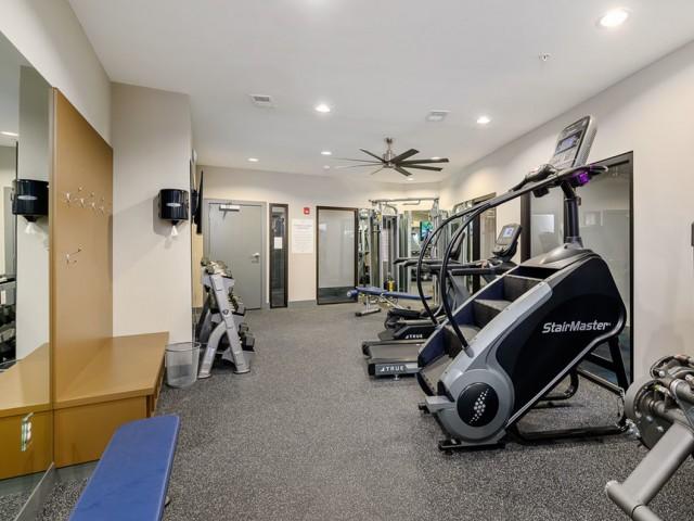 Fitness  | Apartments in Lenexa KS | The District Flats