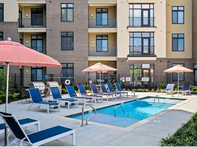 | Apartments in Lenexa KS | The District Flats