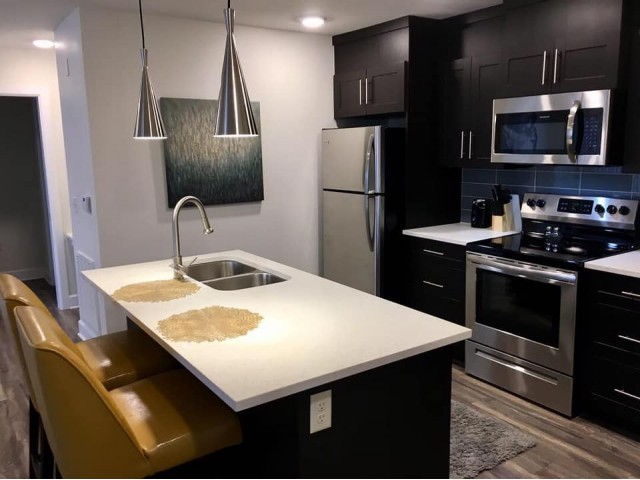 Image of Fully Equipped Kitchen w/Stainless Steel for Watercolors of Centerton