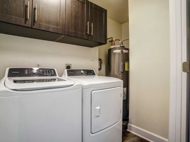 Image of Washer/Dryer for Watercolors of Centerton