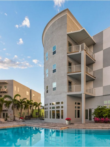Residents Enjoying Community Grounds | Luxury Apartments Clearwater Fl | The Nolen
