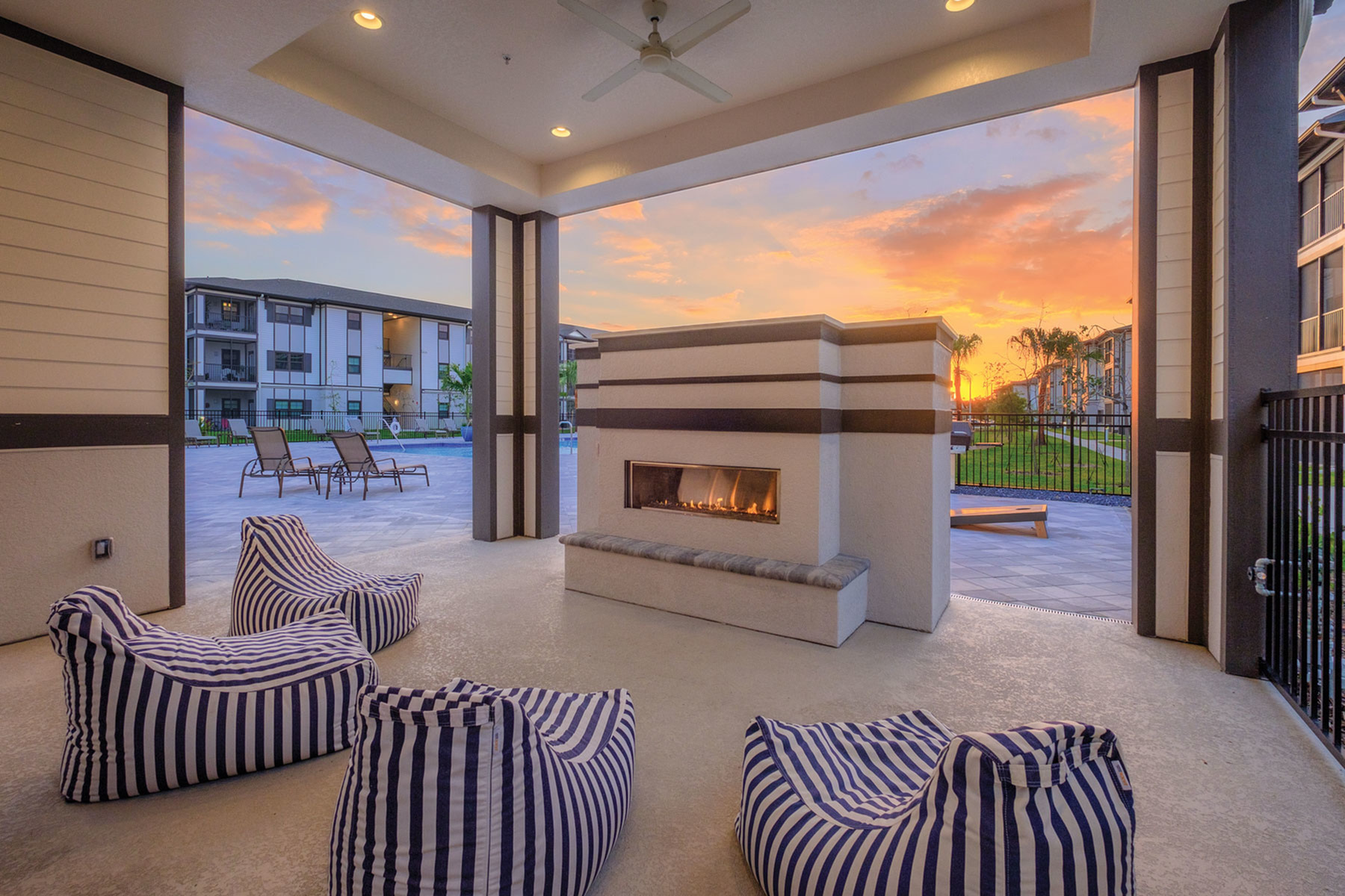 Resident Fire Pit | Apartments Fort Myers Fl | Mosaic at the Forum