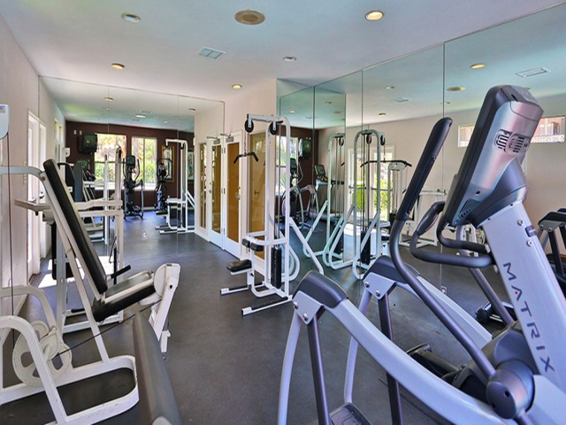 Image of 24 Hour Fitness Gym for www.Idyllwillow.com