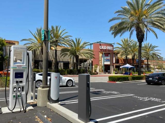 Supercharger, Electrify America, EVgo