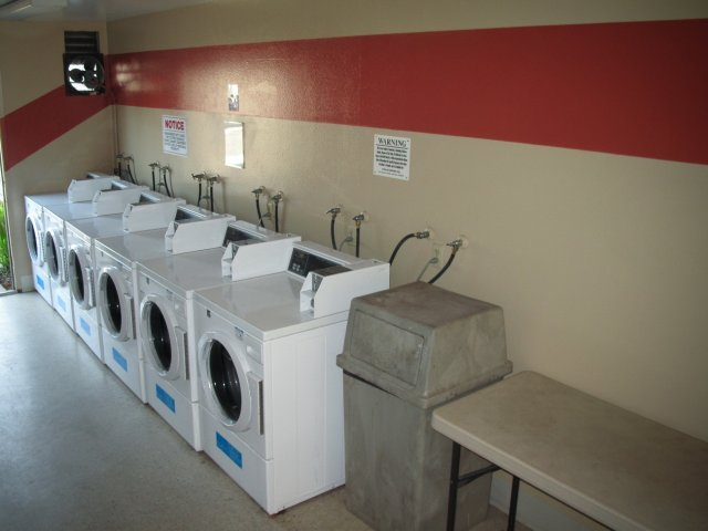 Image of Laundry for Balboa Plaza