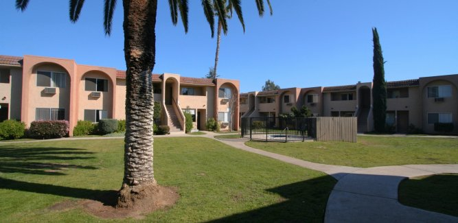 Oak Creek Apartments Poway