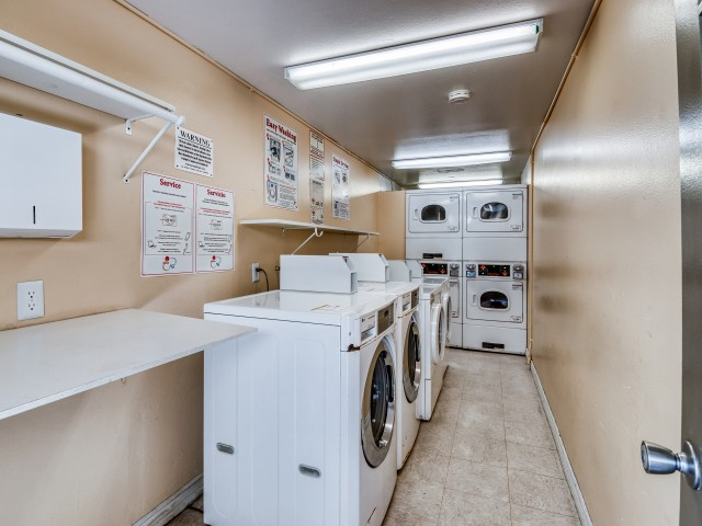 Image of Laundry for Aspen Park