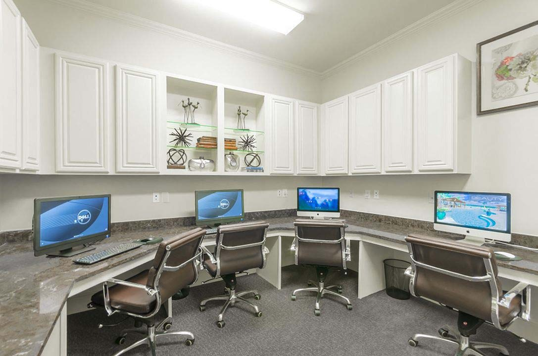 Image of Well-Appointed Business Center with 25' iMac Computers & PCs for The Mansions of Wylie Active Adult Community
