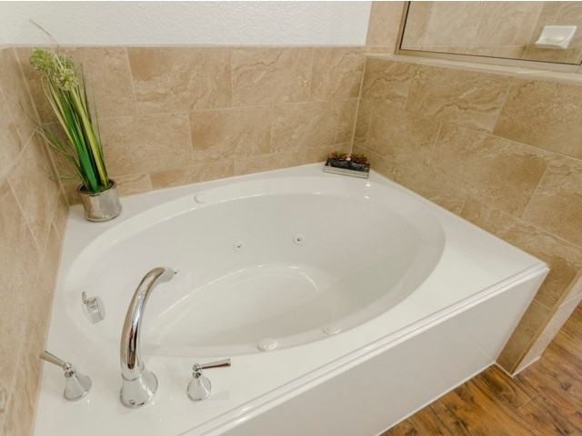 Image of Marble Jetted Garden Jacuzzi® Tubs* for The Mansions 3Eighty