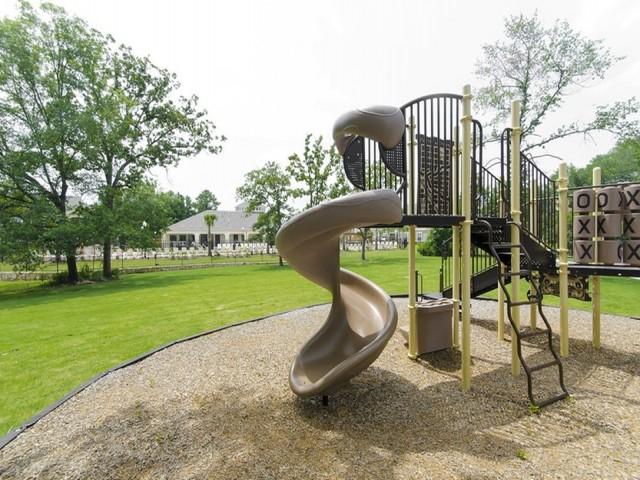 Playground & Children\'s Activity Area