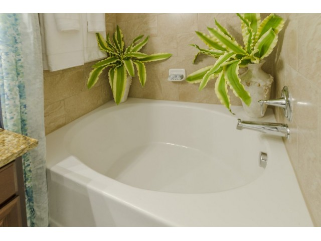 Marble Jetted Garden Jacuzzi® Tubs*