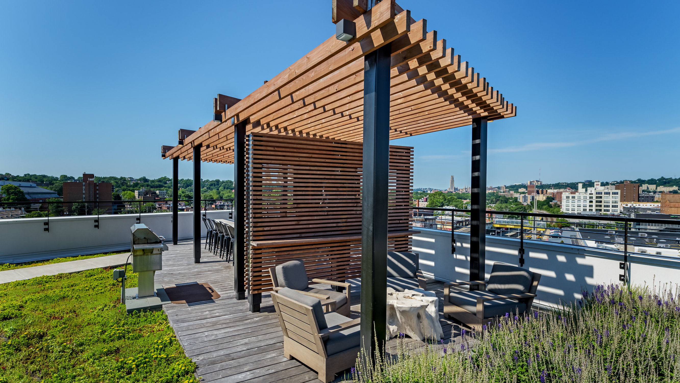 Image of Rooftop Deck with Grilling Areas for Eastside Bond