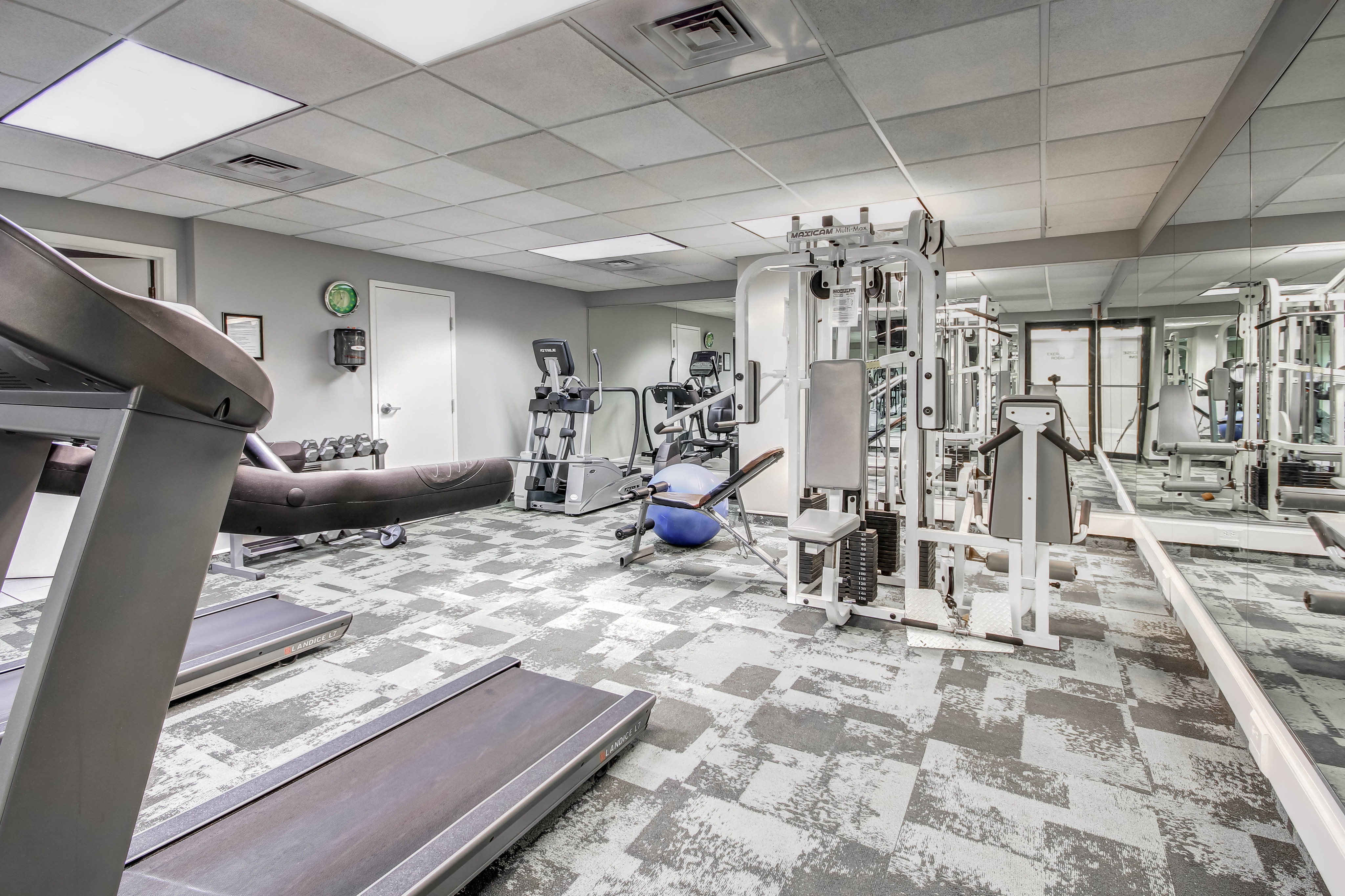 Image of 24-Hour Fitness Center for Grandview Pointe Apartments