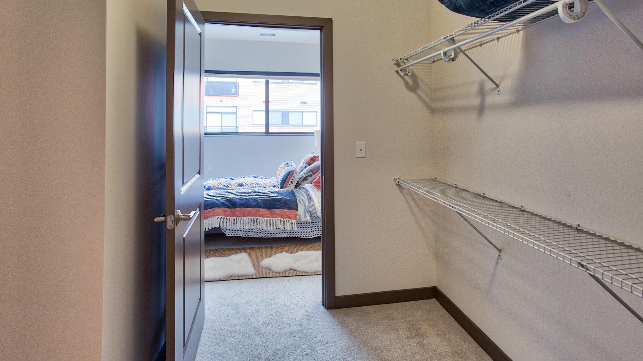 Image of Walk-in Closets for Eastside Bond