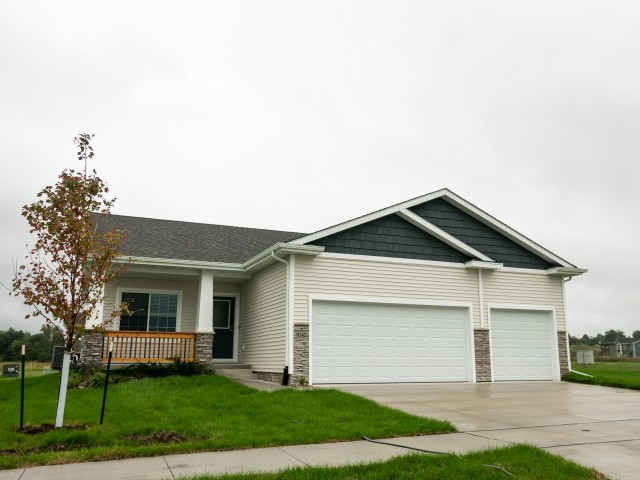 9342 Valley Parkway, Johnston