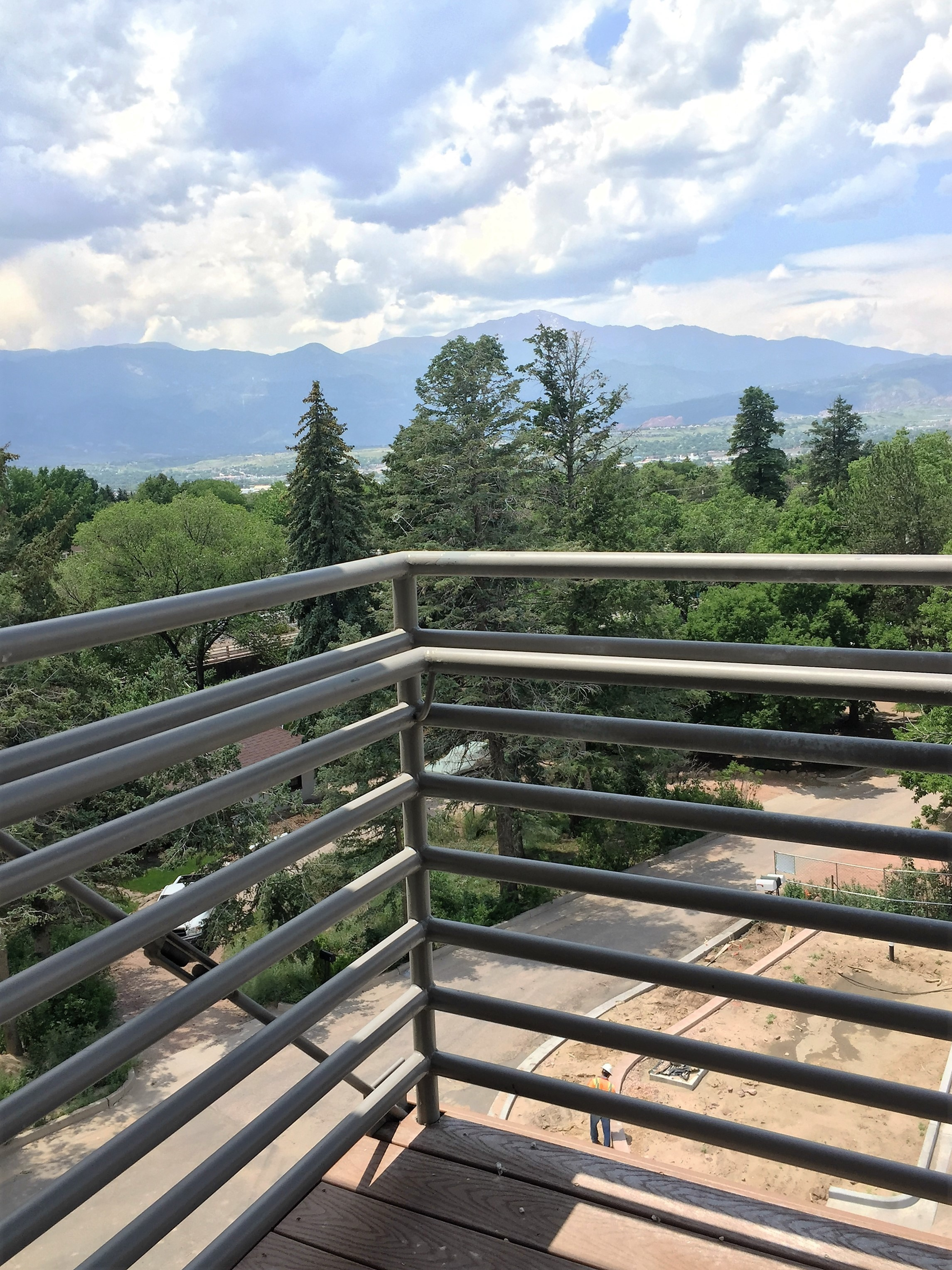 Image of Balconies Available for Lookout on Cragmor