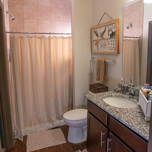 Image of Private Bedroom & Bathroom for Eclipse on Broad