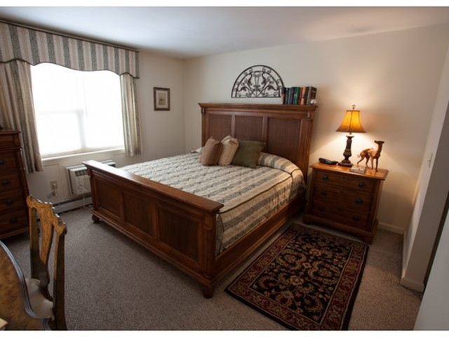 Spacious Master Bedroom | Senior Living in Manchester NH | Regency Heights