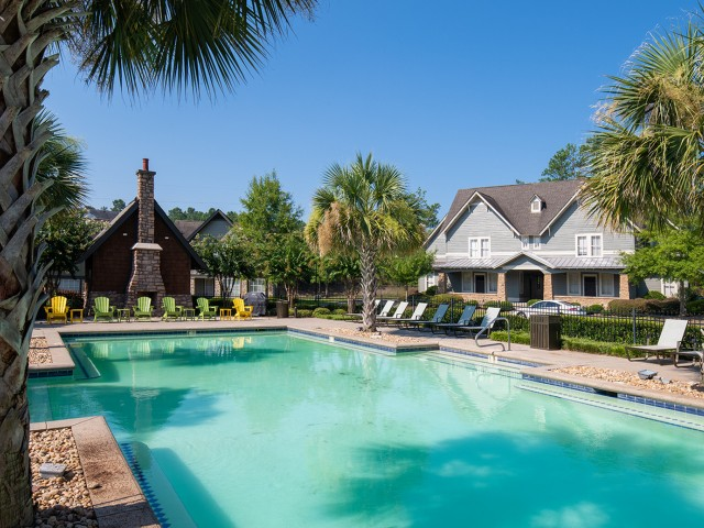 Community Pool | The Cottages of Hattiesburg | Apartments In Hattiesburg MS