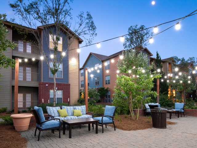 Outdoor Entertainment Area | Eagle Flatts | Apartments Near Southern Miss