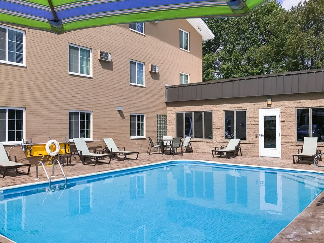 Swimming Pool | University Oaks | Apartments In Kent Ohio