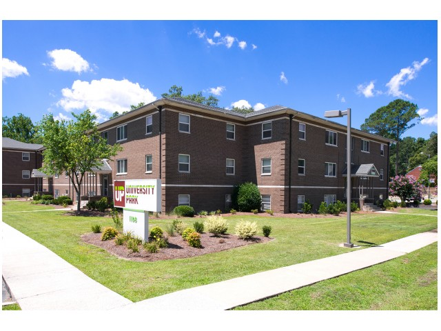 Access to Green Mill Run Greenway   Jogging Trail   University Park   Student Apartments Greenville NC