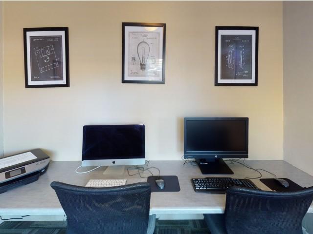Resident Business Center | Seminole Flatts | FSU Off Campus Apartments