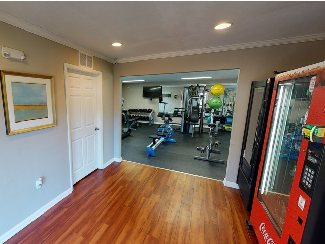 Office | Interior Lobby | Seminole Flatts | Tallahassee Student Apartments