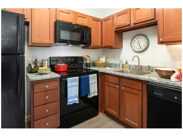 Shaker-style Cabinets | Kitchen | Flatts at South Campus | Oxford MS Student Apartments