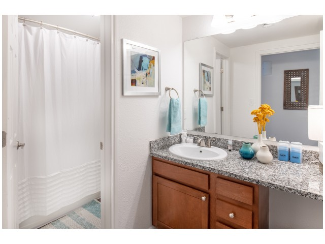Private Bedrooms w/ Private Bathrooms | Flatts at South Campus | 1,  2, 3, & 4 Bedroom Apartments Oxford MS