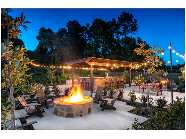 Resident Fire Pit | Flatts at South Campus | Off Campus Apartments Oxford MS