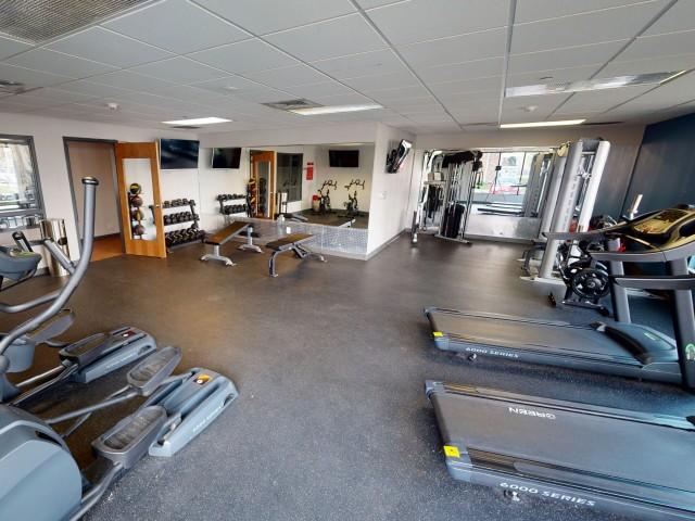 Resident Fitness Center | University Hills | Toledo OH Student Apartments
