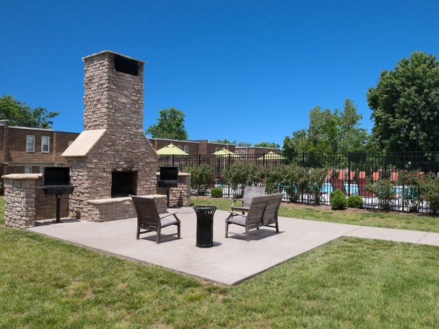 Outdoor Fireplace & Grills | University Village | SIU Apartments