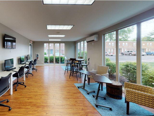 Business Center with Free Printing | University Village | Apartments In Carbondale IL Near SIU