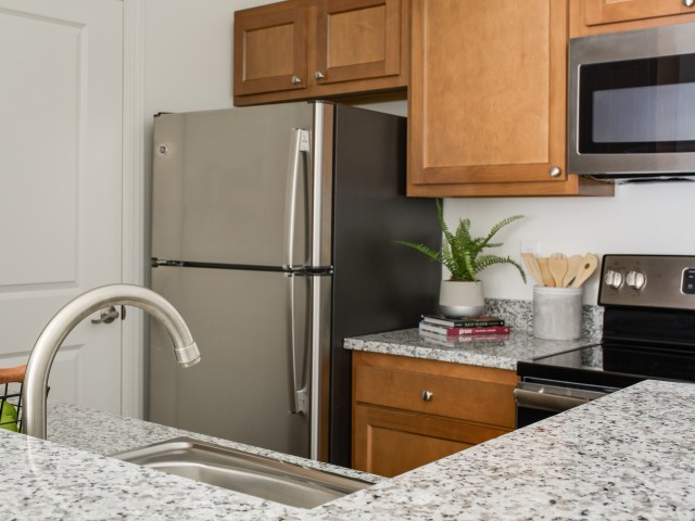 Upgraded Appliance Package in Modern Kitchen | The Flatts Salisbury | Salisbury University Off-Campus Housing.