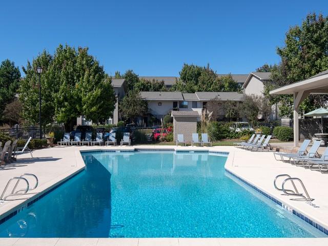 Salt Water Pool | Eagles West | Auburn Student Apartments