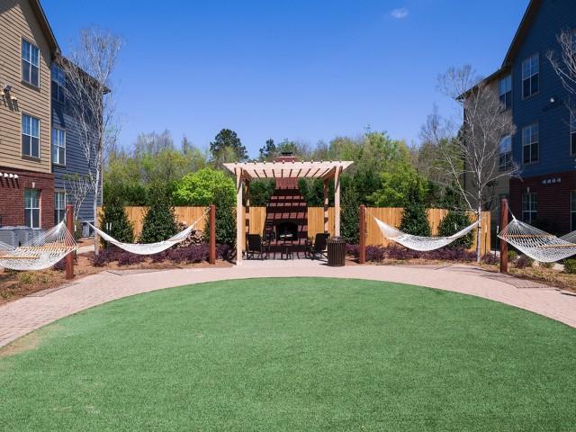 Hammock Garden | Eagle Flatts | USM Off Campus Housing