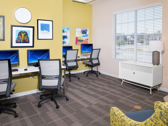Computer Lab with Free Printing | Eagle Flatts | Student Apartments In Hattiesburg MS