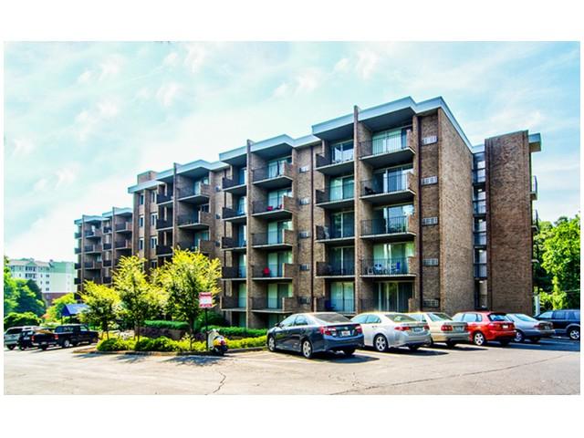 Off-Street Parking | University Apartments - Chapel Hill | Apartments Near UNC Chapel Hill