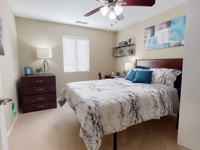 Spacious Bedroom   University Park   Apartments In Greenville