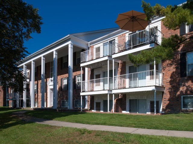Laundry Room in Each Building | University Hills | University Of Toledo Student Apartments
