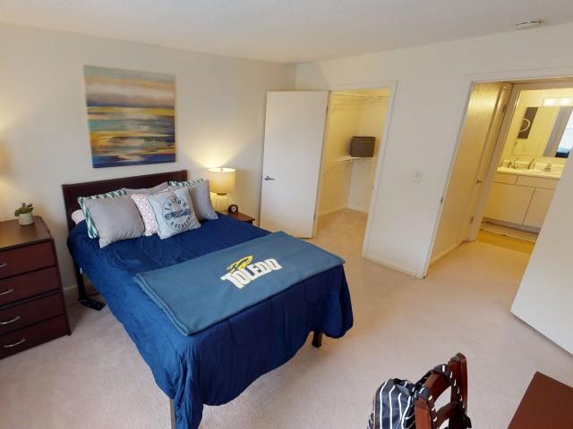 Carpet in Bedroom | University Hills | 1, 2, & 4 Bedroom Apartments Toledo