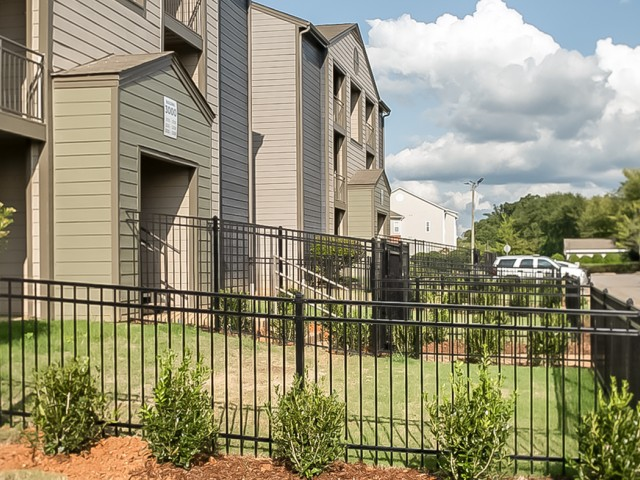 Private Fenced Yard at The Preserve at Tuscaloosa, off-campus student housing.