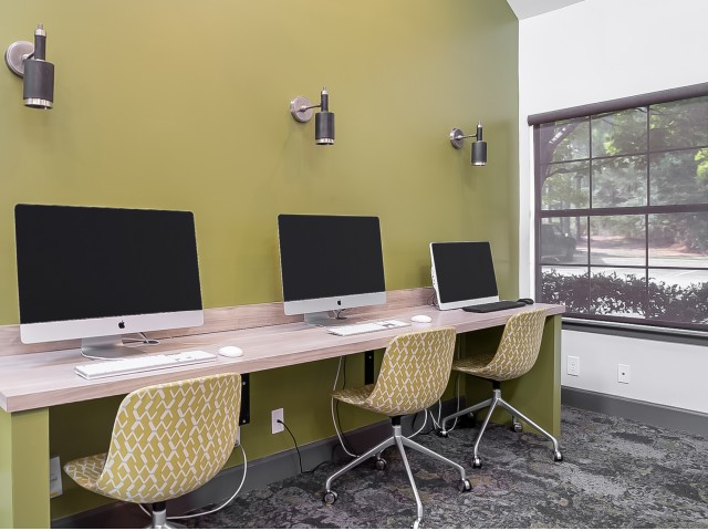 Resident Computer Center | The Preserve at Tuscaloosa | Student Housing Tuscaloosa