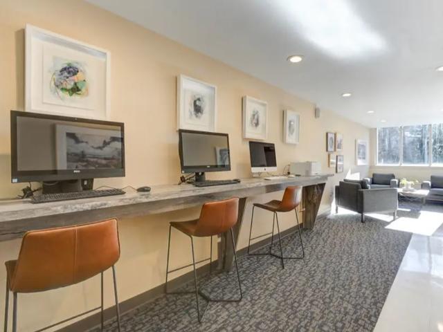 24-Hour Access | Resident Business Center | University Apartments - Chapel Hill | Chapel Hill NC Apartments