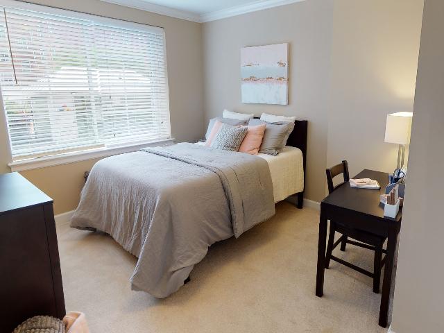 Carpteted Bedroom | University Apartments Durham | Apartments Near Duke University