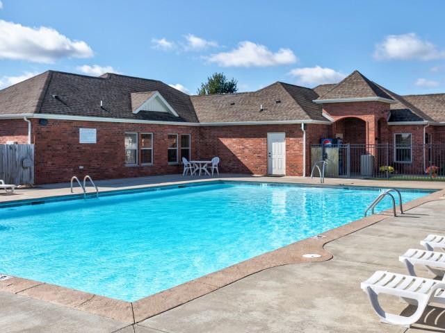 Oak Court Pool