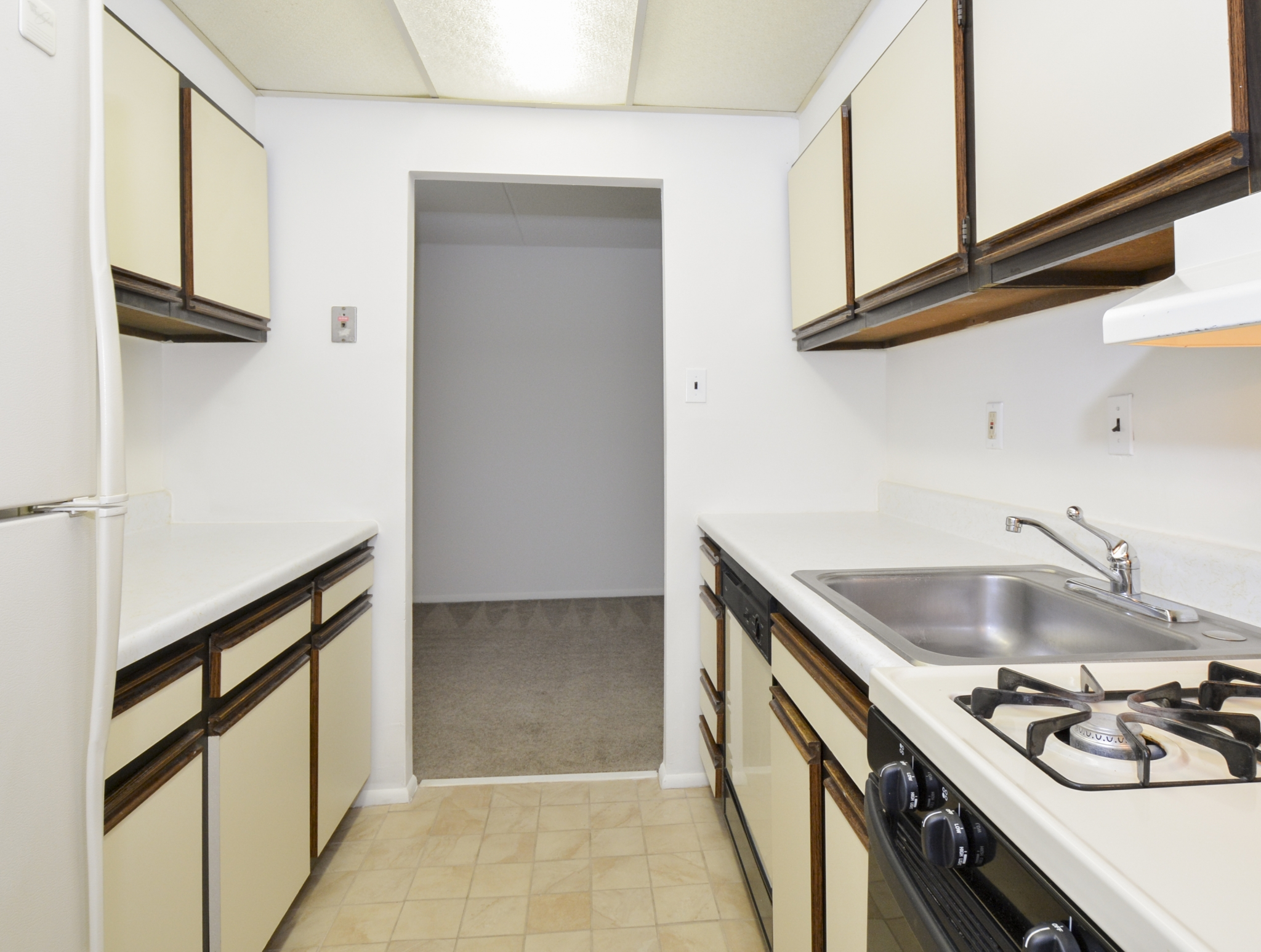 Elegant Kitchen | Apartments in Lansdowne, PA | Gladstone Towers Apartments