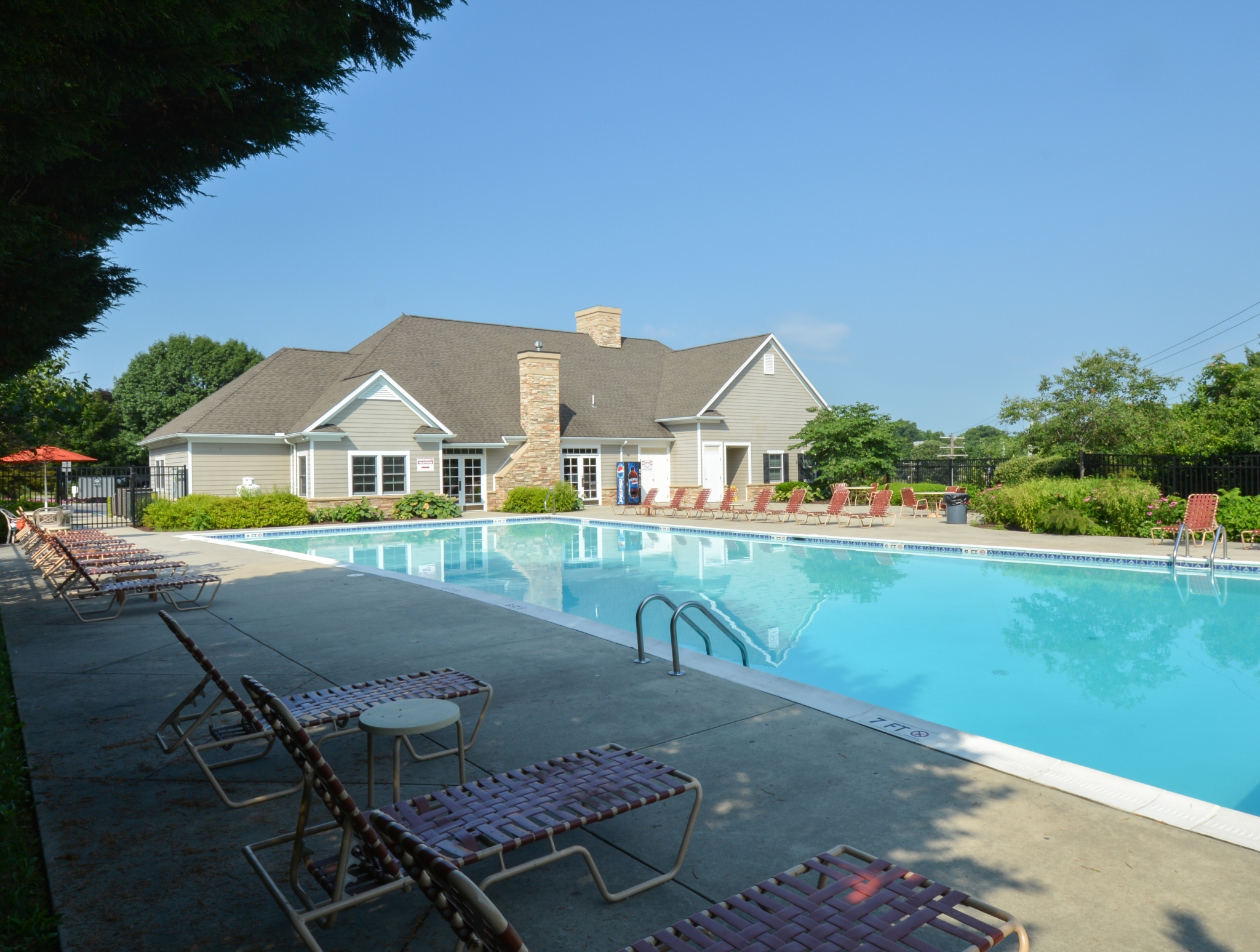 Governor Mifflin Community Pool Next to Clubhouse | Reading PA Apartments For Rent
